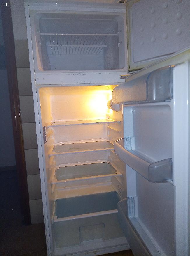 Πωληται Κουζίνα-Ψυγείο λόγο μετακομησης